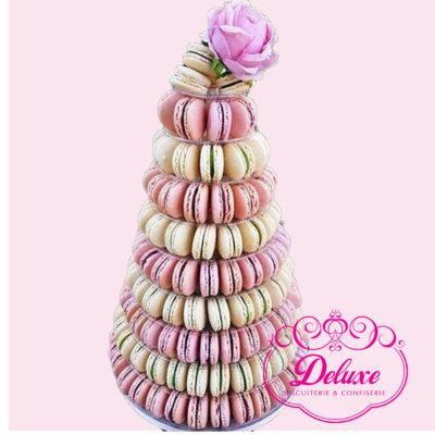 Pyramide macarons pièces montées