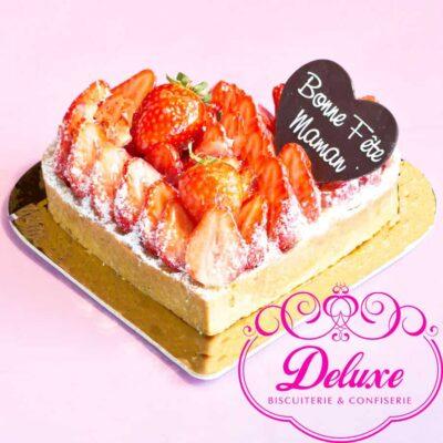la Tarte aux fraises en forme de cœur